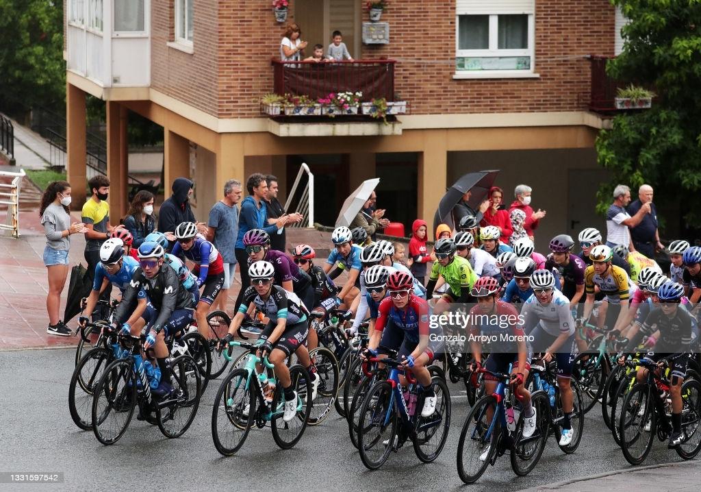 SAN SEBASTIAN, SPAIN - JULY 31: (L-R) Annemiek Van Vleuten of Netherlands and Movistar Team Women, Ane Santesteban Gonzalez of Spain and Team BikeExchange & Kathrin Hammes of Germany and Ceratizit ? WNT Pro Cycling Team lead The Peloton during the 3rd Donostia San Sebastian Klasikoa Women 2021 a 139,8km race from Donostia-San Sebastian to Donostia-San Sebastian / #Klasikoa / #KlasikoaWomen / #UCIWWT / on July 31, 2021 in San Sebastian, Spain. (Photo by Gonzalo Arroyo Moreno/Getty Images)